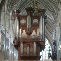 This cathedral organ's a bit up itself